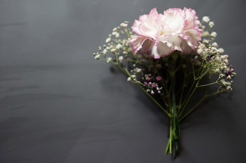 flower gift for your mother's anniversary
